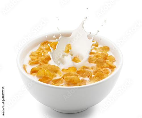 Tela corn flakes with milk splash