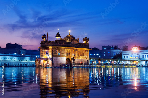 Fotografia, Obraz  Golden Temple in the evening. Amritsar. India