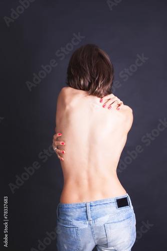 Zdjęcie XXL Seksowna dziewczyna w niebieskich dżinsach