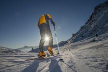 Scialpinista All'alba Verso La...