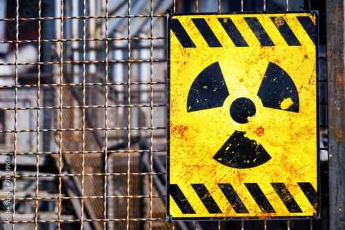 old nuclear warning sign Fototapeta
