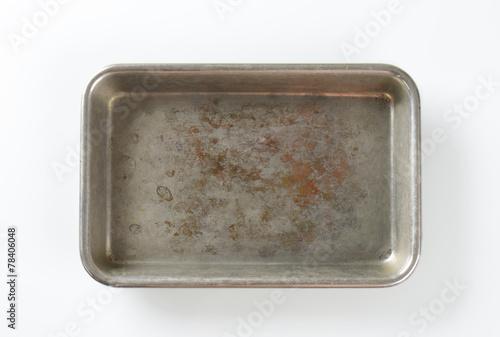 Valokuva  Worn roasting tin