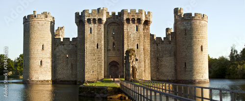 obraz PCV Historyczne Zamek Bodiam i fosa w East Sussex, Anglia