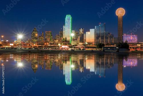 Aluminium Prints Texas Dallas City skyline at twilight