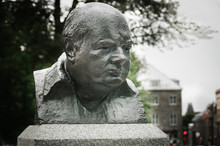 Winston Churchill Bronze Sculp...