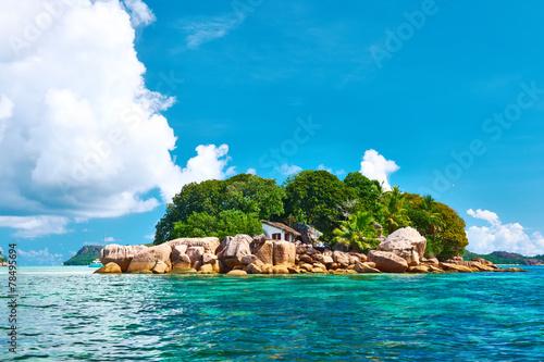 piekna-tropikalna-wyspa
