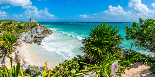 Staande foto Mexico Huge Panorama of Tulum caribbean paradise and Mayan Ruins. Trave