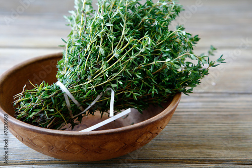 Fresh thyme in a bowl