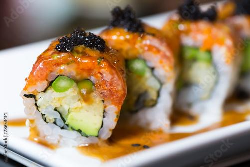 Foto auf Gartenposter Sushi bar Sushi roll