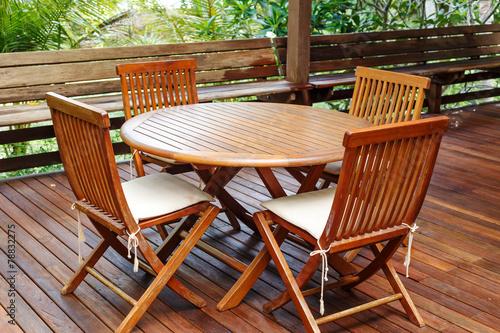 Fotografia Teak wood furniture stand on the terrace