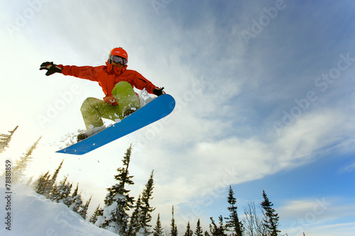 Poster Glisse hiver Snowboarder jumping