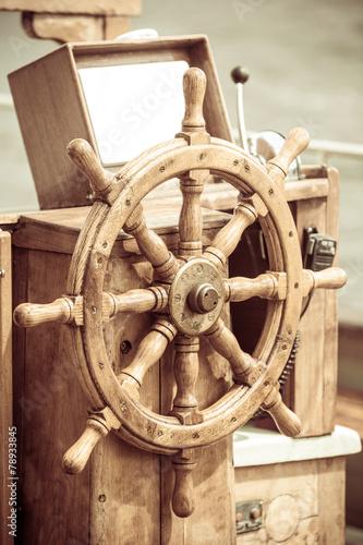 Keuken foto achterwand Schip Yachting. Ship wooden steering wheel. Sailboat detail.