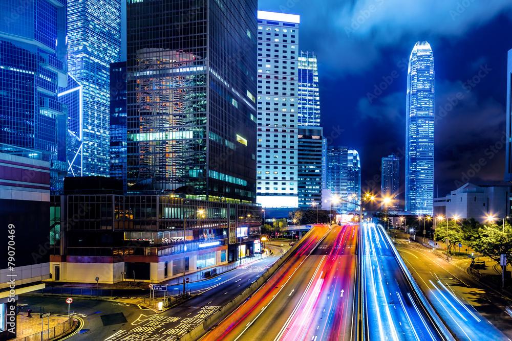 Sceny nocne w Hong Kongu