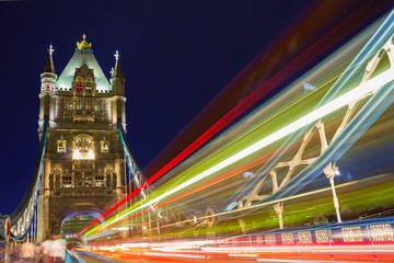 Fototapeta Miasto nocą Tower Bridge bei Nacht