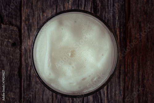 Photo  Top View of Foam on a Pint of Beer