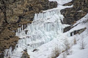 Fototapeta na wymiar icicles detail in snow winter time