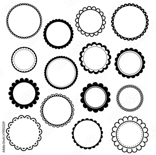 Photo  Set of round scalloped frames