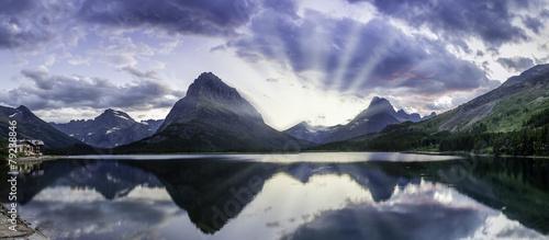 Valokuva  Swiftcurrent Lake