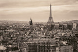 Widok na Paryż i Wieżę Eiffla z góry - 79260893