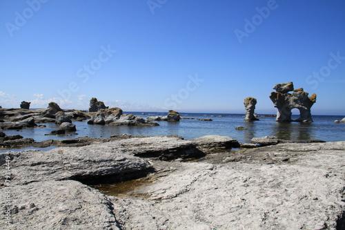 Fotografía  Raukar auf der Insel Gotland