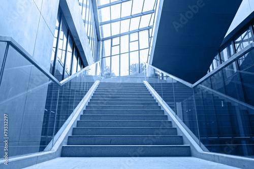 Fotografia empty office stairs