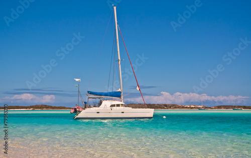 Foto op Plexiglas Caraïben Anchored Sailboat