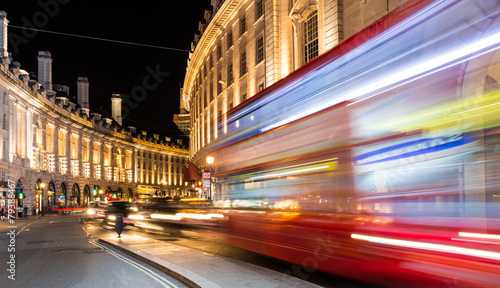 Tuinposter Londen Regent Street view at night, London.