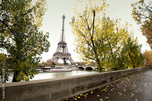 Printed kitchen splashbacks The Eiffel Tower in Paris. beautiful photos of Europe