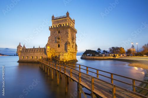 popularna-sredniowieczna-zabytkowa-wieza-w-lizbonie-torre-de-belem