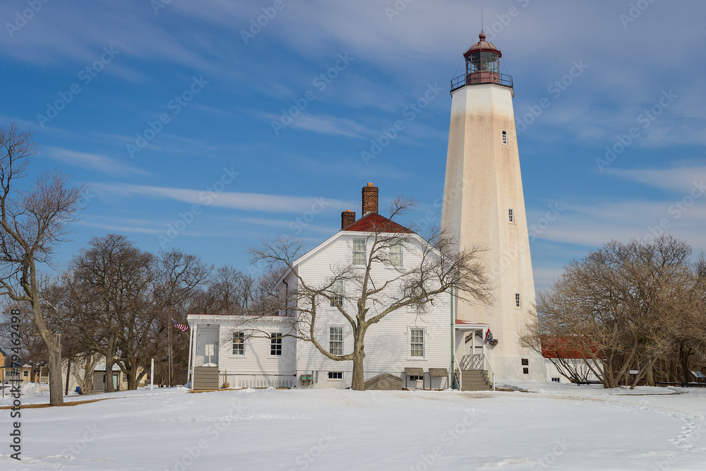 Sandy Hook Lighthouse in New Jersey / Winter scenery Foto, Poster ...
