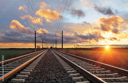 Türaufkleber Eisenbahnschienen Railroad at sunset