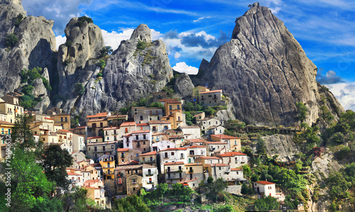 beautiful mountain villages of Italy - Castelmezzano (Basilicata Canvas Print