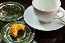 Half-eaten - Rest Cappuccino Und Keks