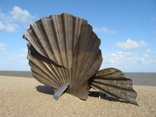 The Scallop Aldeburgh Beach Su...
