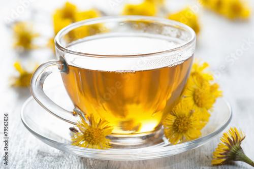 herbal tea with coltsfoot flowers Fototapet