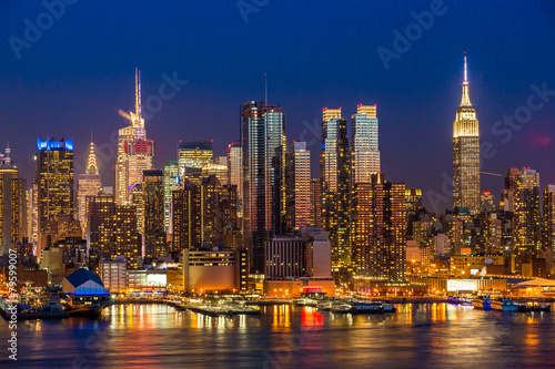 Plagát  New York City Manhattan midtown buildings skyline night