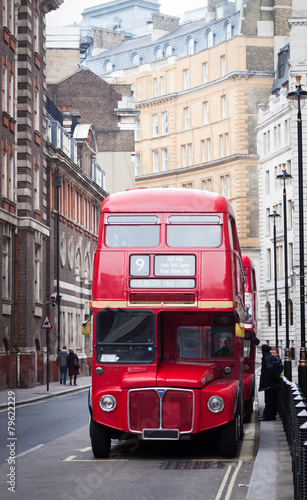 Poster Rouge, noir, blanc old red London bus