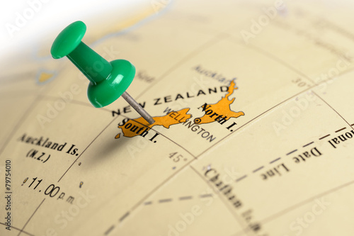 Poster Oceanië Location New Zeland. Green pin on the map.