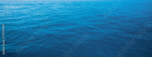 Staande foto Zee / Oceaan blue water sea for background