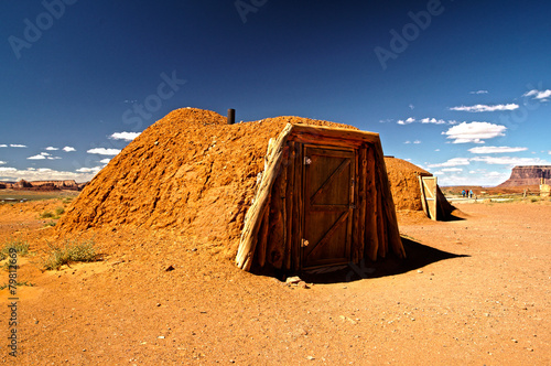 Fotografia  Navajo house, monument valley