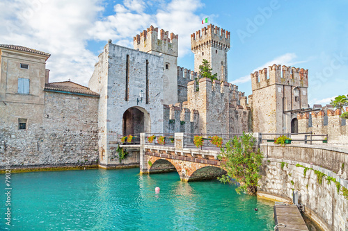 obraz dibond Scaliger Castle in Sirmione, Italy