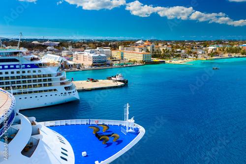 Fotografía  Cruise Ships in Nassau Bahamas port