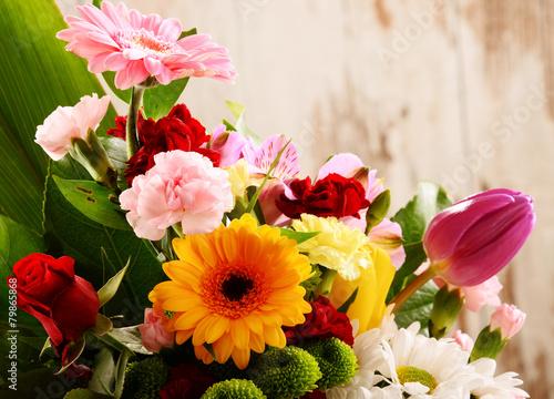 fototapeta na ścianę Skład z bukietem kwiatów
