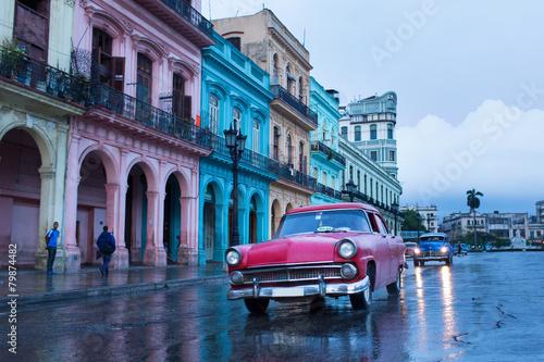 In de dag Havana Classic old car on streets of Havana, Cuba