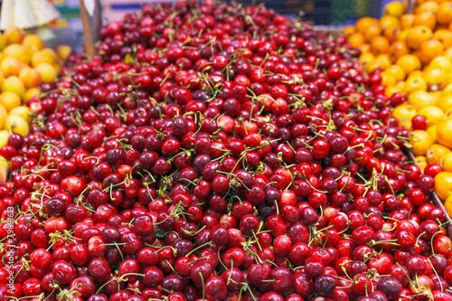 Deurstickers koffiebar Red Cherries on market