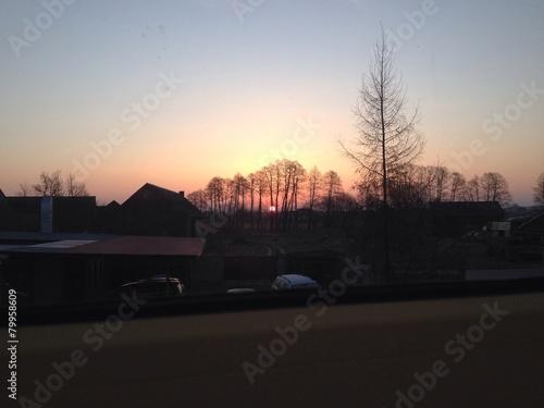 Wschodni widok z okna - 79958609