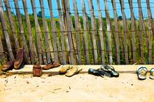 Flip Flops And Sandals Lined U...