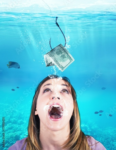 Fotografía  Woman takes the bait
