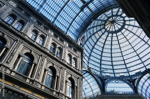 In de dag Napels Galleria Umberto I, Napoli