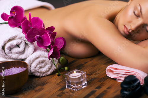 relaxing spa treatments - 80102216